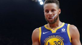 Stephen Curry metió un triple imposible