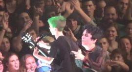 ¡Green Day invitó a un nene a tocar la guitarra en pleno show!